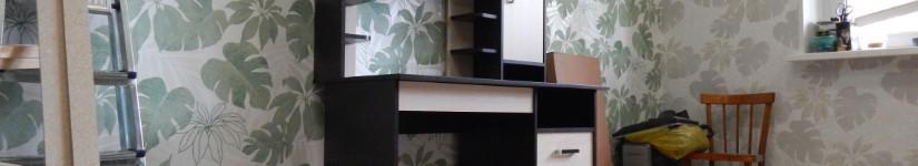 Сборка письменного стола с полкой